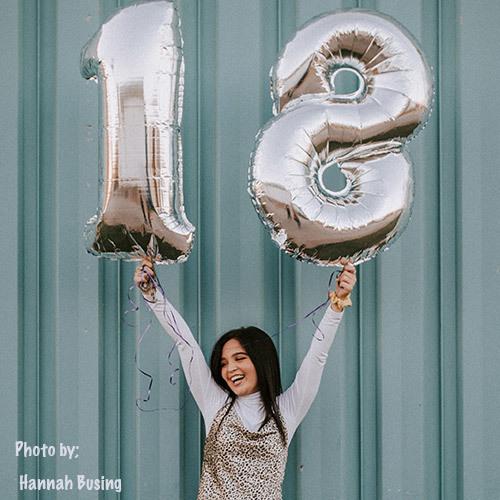 Mega Cijfer Ballon 18 jaar zilver