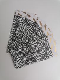 Cadeauzakje  cozy cubes zwart/wit/goud  7x13 cm (S)