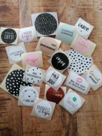 Stickerset 20 verschillende sluitstickers voor oa theekaartjes