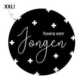XXL (sluit)sticker Hoera een jongen