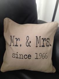 Kussen Mr. & Mrs. Since