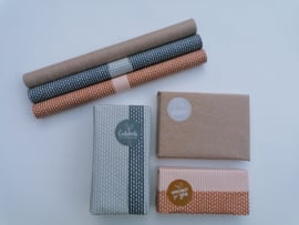 Dubbelzijdig inpakpapier connection dots natural, Blush/roest