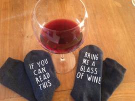 Sokken met een boodschap -humor- If you can read this...