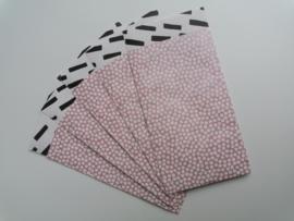 Cadeauzakje  cozy cubes oudroze/zwart/wit  7x13 cm (S)