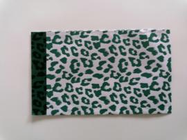 cadeauzakje cheetah wild green, groen wit 12 x 19 cm