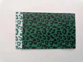 cadeauzakje cheetah wild green, zwart - groen wit 12 x 19 cm