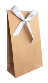 Luxe gift bag;  bruin kraft met wit satijn lint