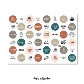Stickervel bij de opvang met  48 ronde (sluit)stickers
