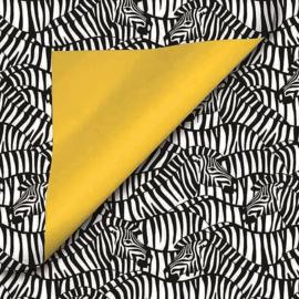 Inpakpapier dubbelzijdig; It's a Zebra met een effen gele achterzijde