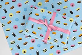 Inpakpapier lichtblauw met vrolijke engelse dropjes 50x70 cm