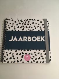 elastiek voor het invulboek  jaarboek en erop uit