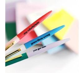 set van 3 vrolijk gekleurde pennen met zwarte quotes