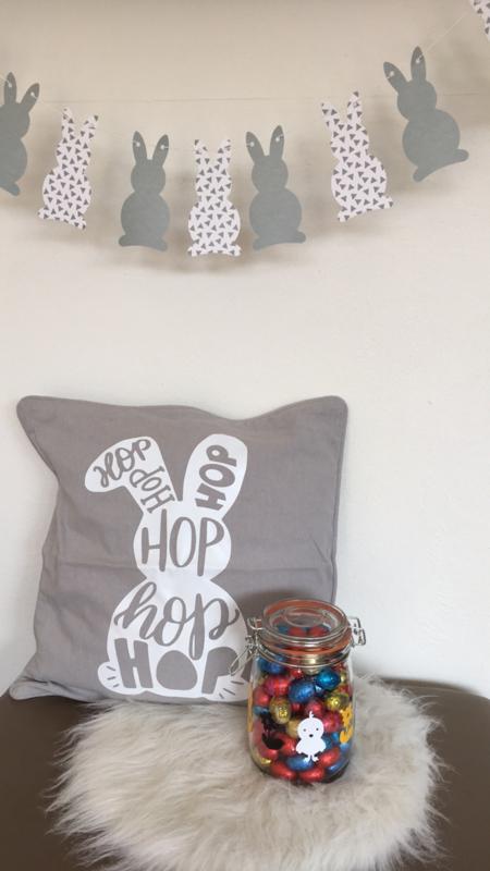 Kussen(hoes) voor de Pasen hop hop hop
