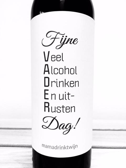 zelfklevend wijnetiket Fijne vaderdag! + ansichtkaart wijnen! Mama Drinkt Wijn