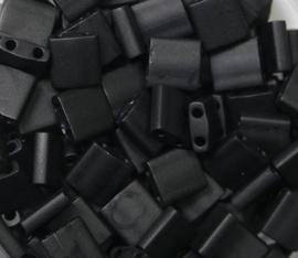 Miyuki Tila Beads, 5x5 mm , Matte Black, kleurnummer 401F