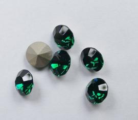 Maxima Chaton, ss39, Preciosa, Emerald