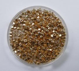 Miyuki Cubes, 1,8x1,8 mm, Galvanised Yellow Gold, kleurnummer 1053
