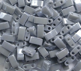 Miyuki Half Tila Beads, 5x2,3 mm , Opaque Grey Luster, kleurnummer 443