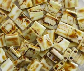 Miyuki Tila Beads, 5x5 mm , Opaque Yellow Picasso, kleurnummer 4512