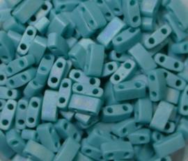 Miyuki Half Tila Beads, 5x2,3 mm , Opaque Matte Turquoise Green AB, kleurnummer 412FR