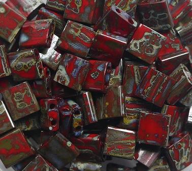 Miyuki Tila Beads, 5x5 mm , Opaque Red Picasso, kleurnummer 4521