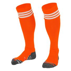 Oranje sokken met witte ringen