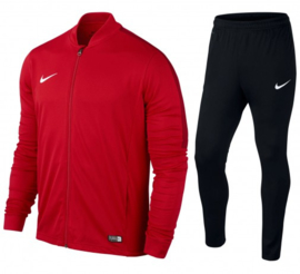 Rood Nike trainingspak