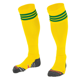 Gele sokken met groene ringen