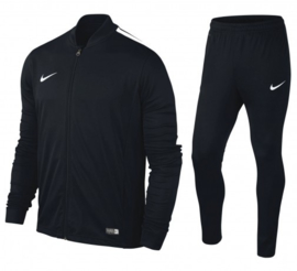 Zwart Nike trainingspak