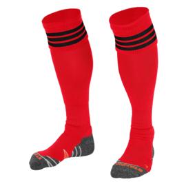 Rode sokken met zwarte ringen