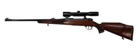 Kogelgeweer Sauer Weatherby voorzien van Zeiss 1.5-6x36