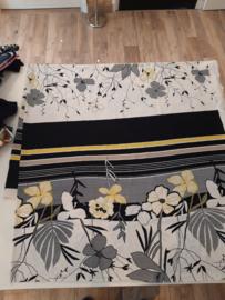 150 x 140 cm gele bloem