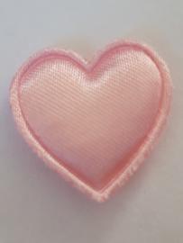 Hartjes satijn licht roze 21 mm
