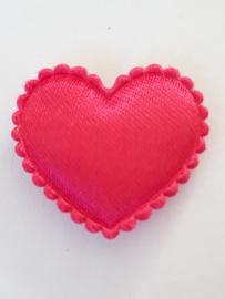 Hartjes satijn fuchia roze 20 mm