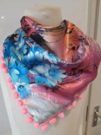 Sjaal maat s roze met bloemen