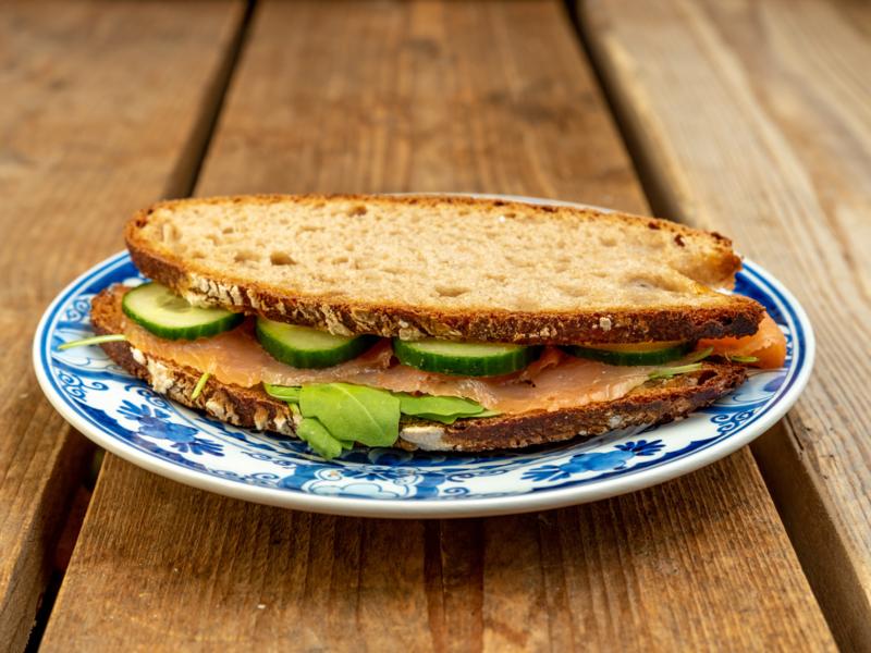 Boerenboterham-volkoren desem brood, Zalm-bieslook roomkaas