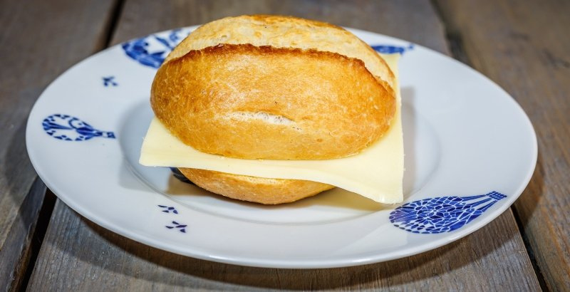 Duits broodje wit Jonge kaas