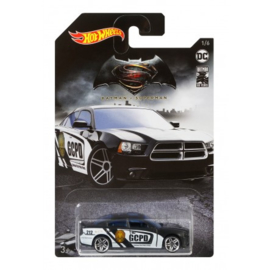 DC Batman: '11 Dodge Charger R/T Hot Wheels (1/6)