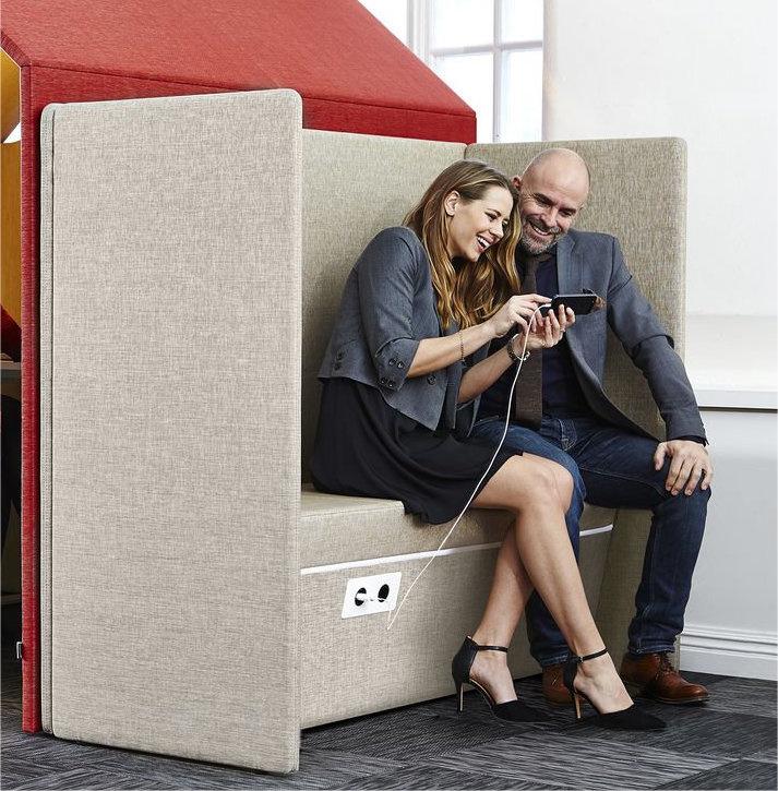 Akoestische sofa sound booth