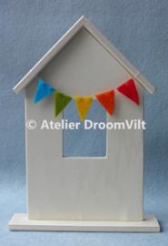 Houten huisje met dakje