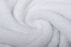 Badstof kleur wit  art BA-023 € 12,00 per meter. 50 cm voor