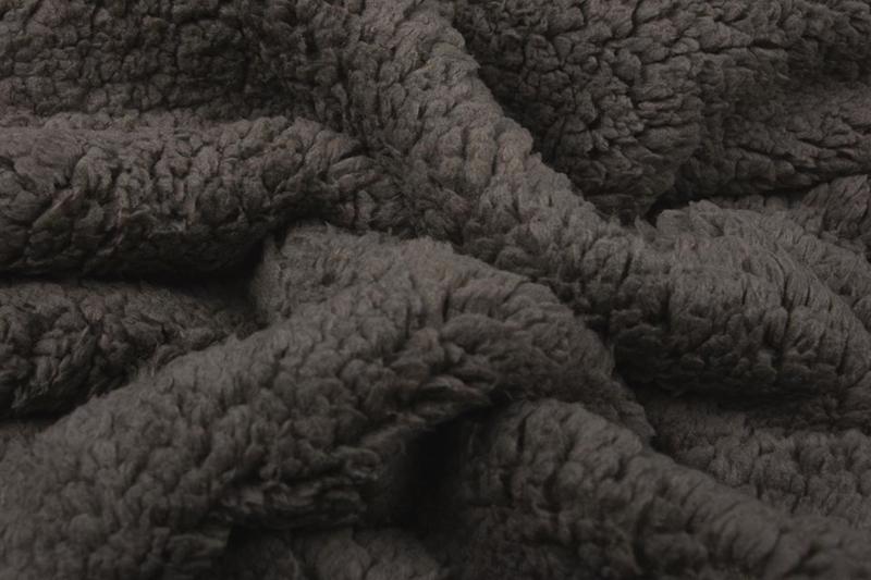 Teddy stof donker taupe Art 074 - 50 cm voor