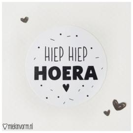 Sticker || Hiep Hiep Hoera || per doosje 250 st