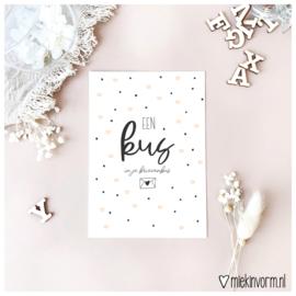 Een kus in je brievenbus || Ansichtkaart || per 5 stuks