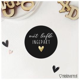 Sticker || met liefde ingepakt || goudfolie || per doosje 250 stuks