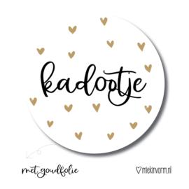 Sticker    Kadootje    met goudfolie    per doosje 250 st