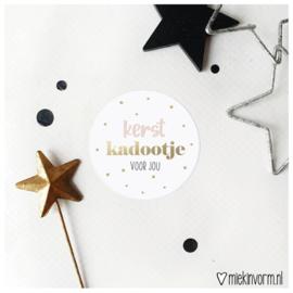 Sticker    Kerstkadootje voor jou    goudfolie    per doosje 250 stuks