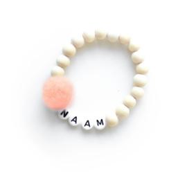 POM. PEACH | Naam/Tekst armbandje houten kralen WIT of ZWART