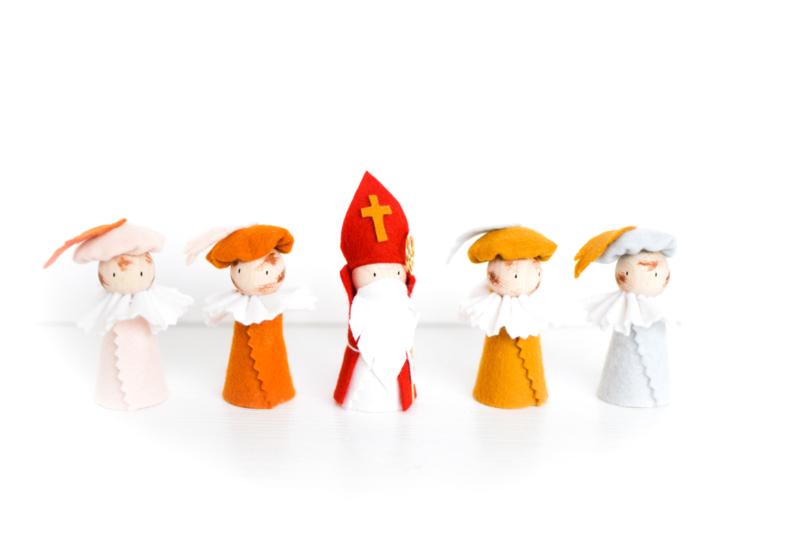 Sinterklaasfiguren | Sint + 4 Pieten Roetveeg