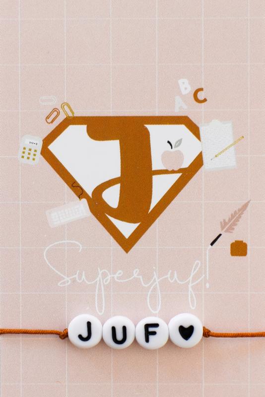 """Armbandje #Juf Roest met kaartje """"Superjuf"""""""